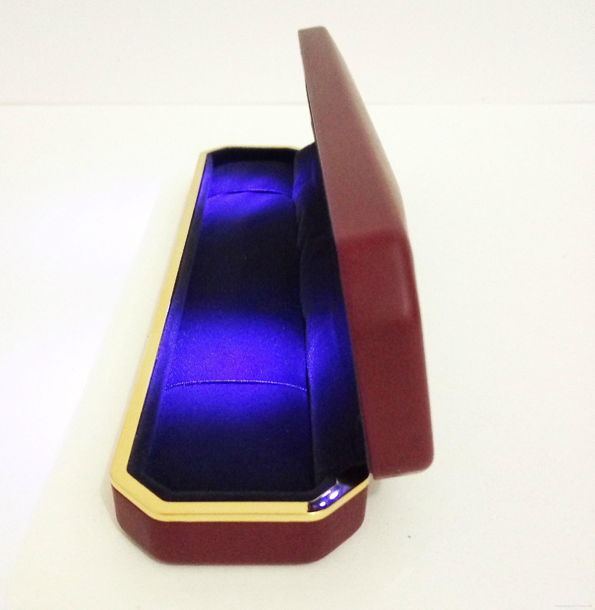 高檔LED燈PU首飾盒 3