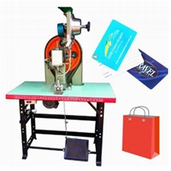 Tags Label Automatic Eyeleting Machine