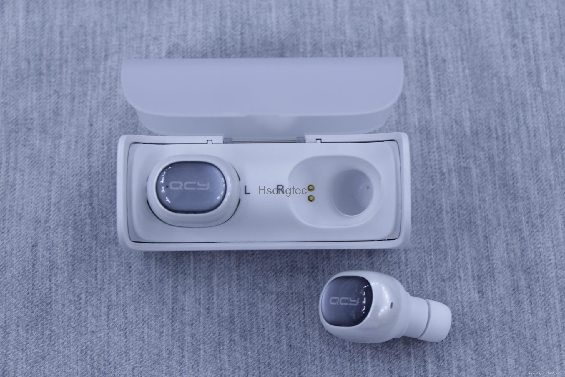 Q29 Bluetooth Headset with Charging Box Case Wireless 3D