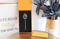 Luxury Designer Louis Vuitton Keychain Pendant Decoration Car Key LV Buckle Lock