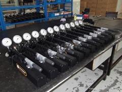 超高壓手動液壓泵