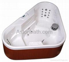 Triangle Hot tub: A636