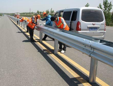 武汉公路波形防撞护栏 1