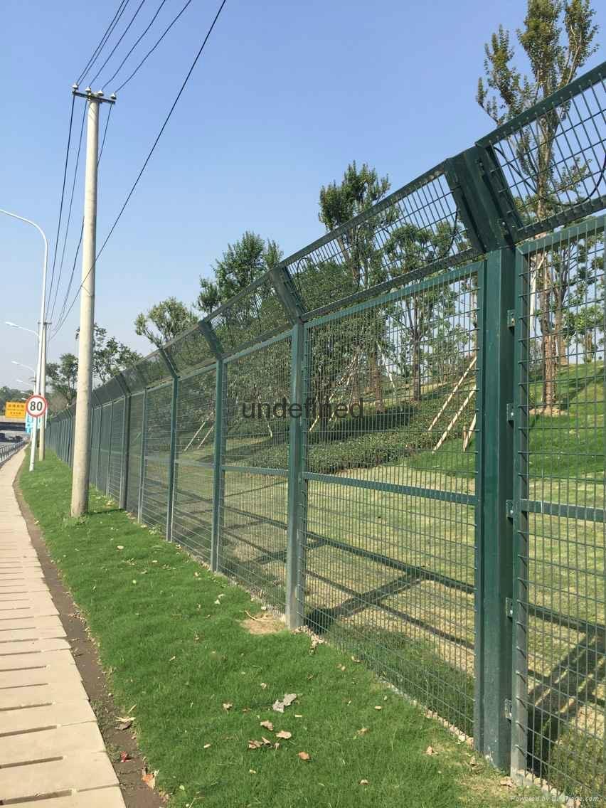武汉带边框护栏 2
