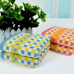 横彩条毛巾
