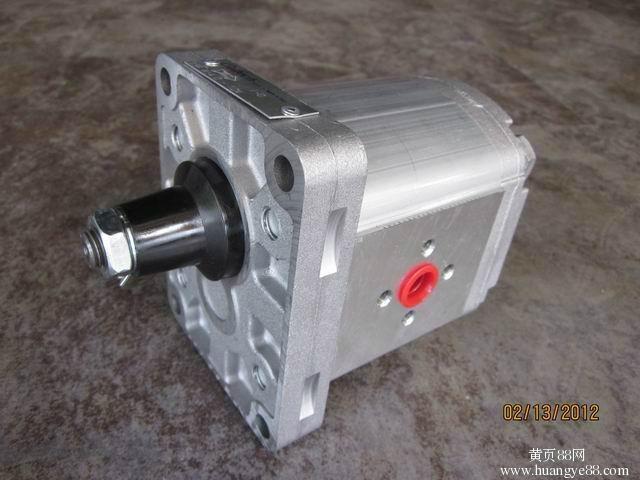 萨澳齿轮泵。 3