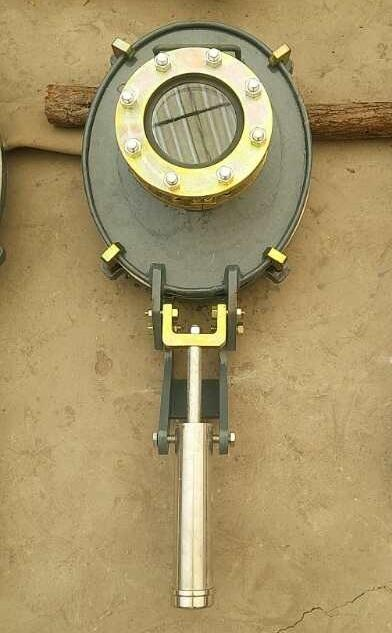 Glass-lined Manhole cover with fast opening device