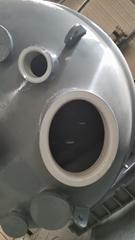 白色瓷釉的搪玻璃反應罐