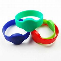 OP09 wristband