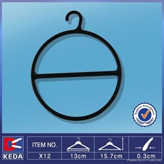 round plastic scarf hanger