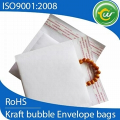 White Kraft bubble envelopes bubble mailers