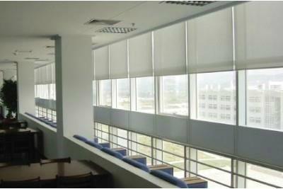 外遮阳卷帘窗 1