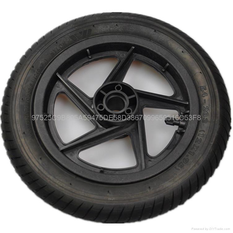 供应塑料轮毂  3