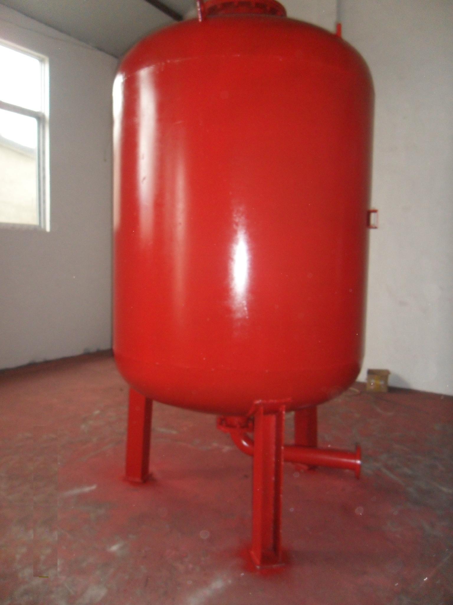 隔膜式氣壓罐 2
