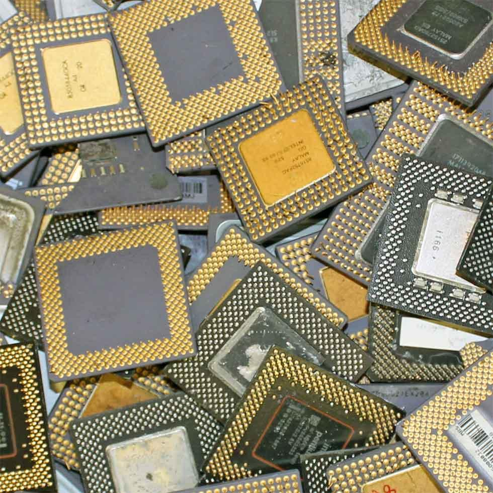 Intel Pentium Pro Ceramic CPU Processor Scrap with Gold Pins 1