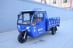 載貨三輪摩托車