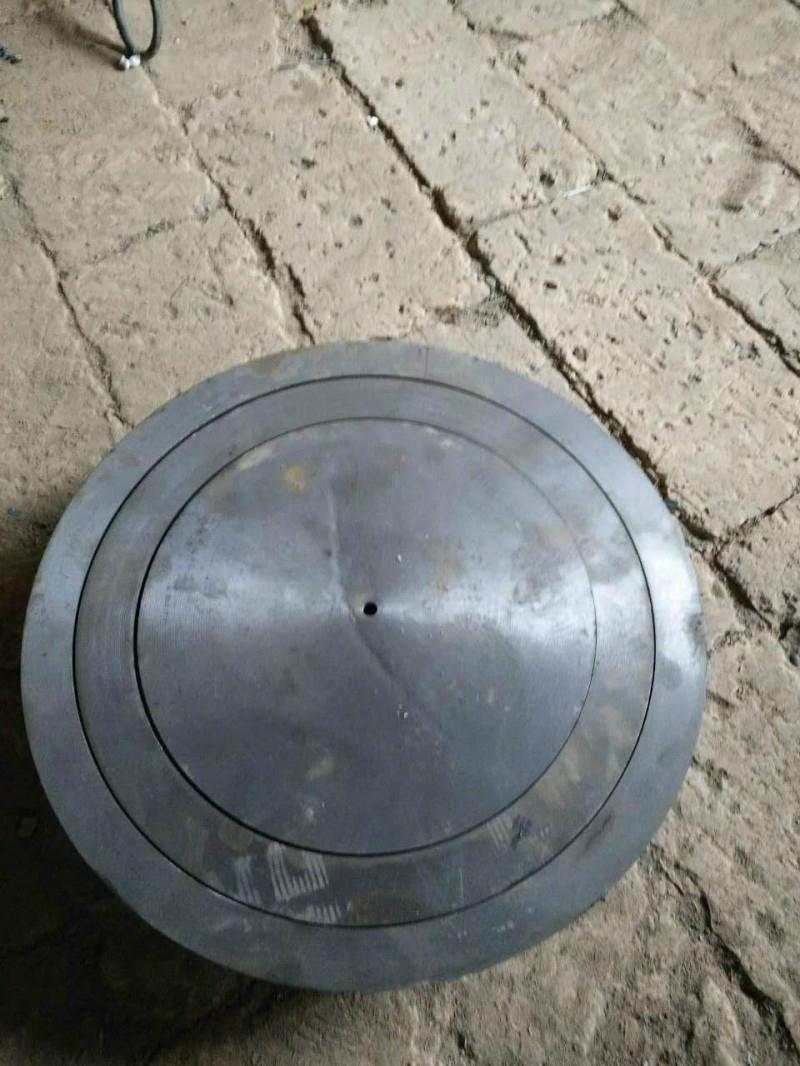 Cast pig iron vaporization pot 3