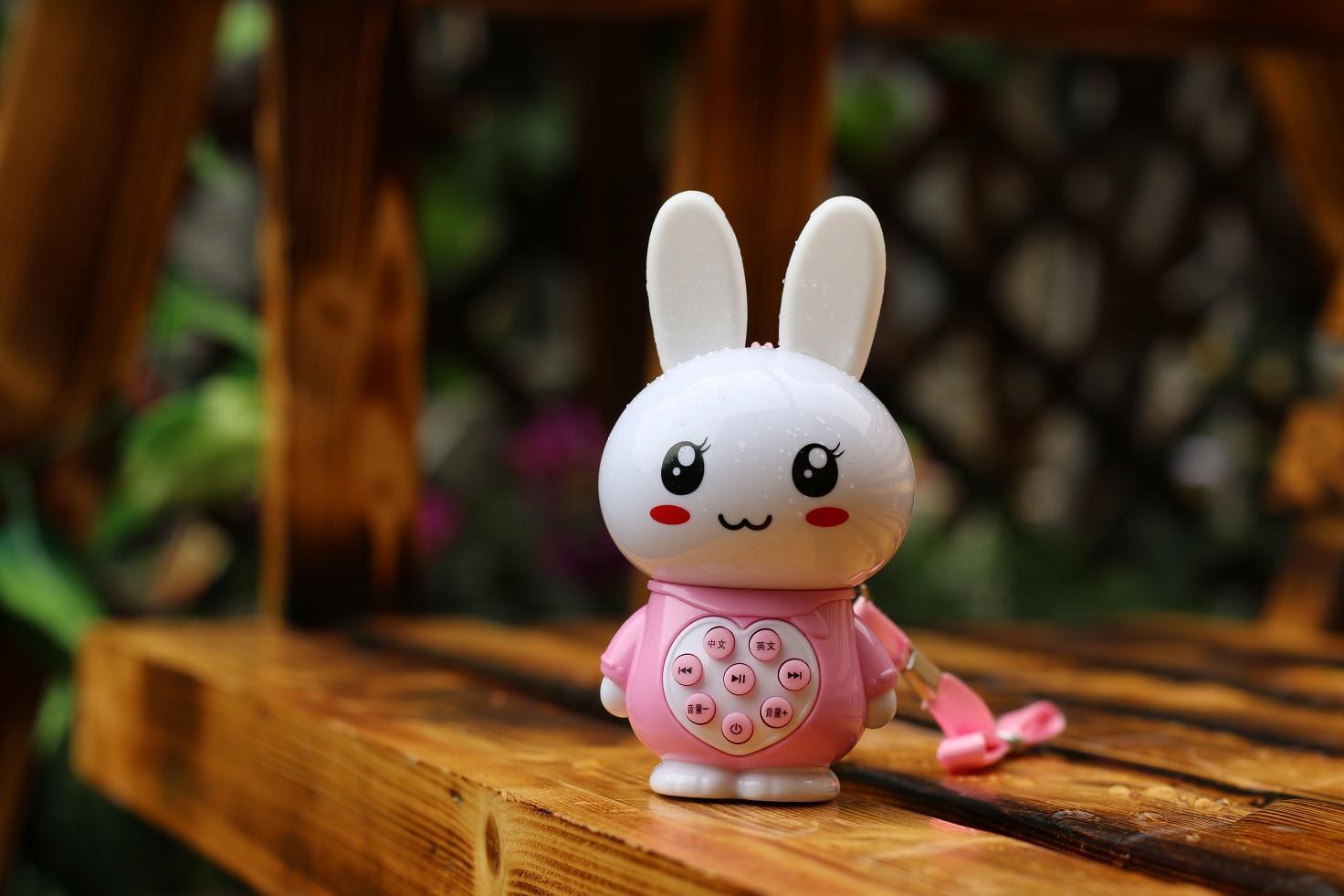 工厂直销私模迷你兔故事机Q9 1