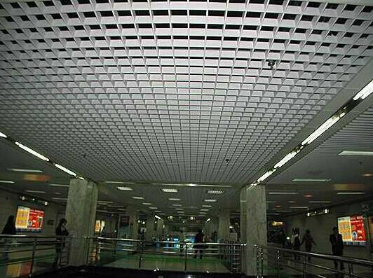 上海大型辦公專用的鋼格板吊頂 2