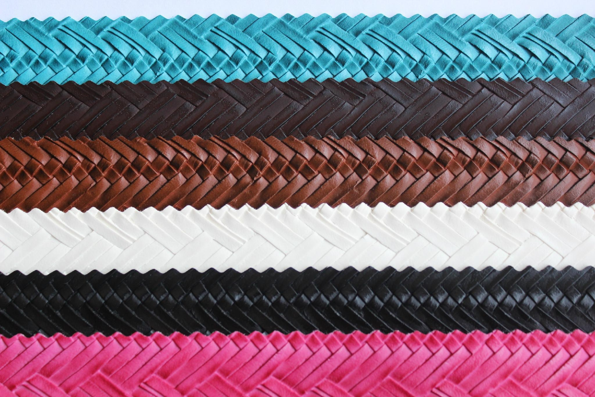 Guangzhou hot selling woven pattern pvc embossed leather fabric for making bags 5