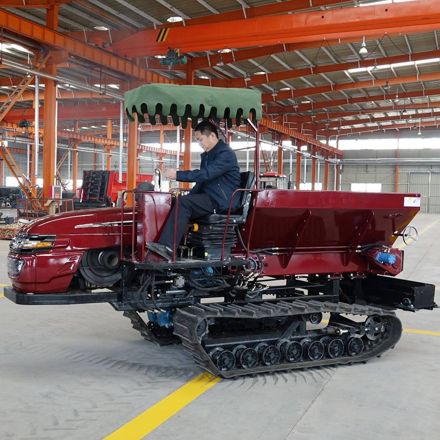 crawler type Muck spreader for spreading solid manure and fertilizer 7