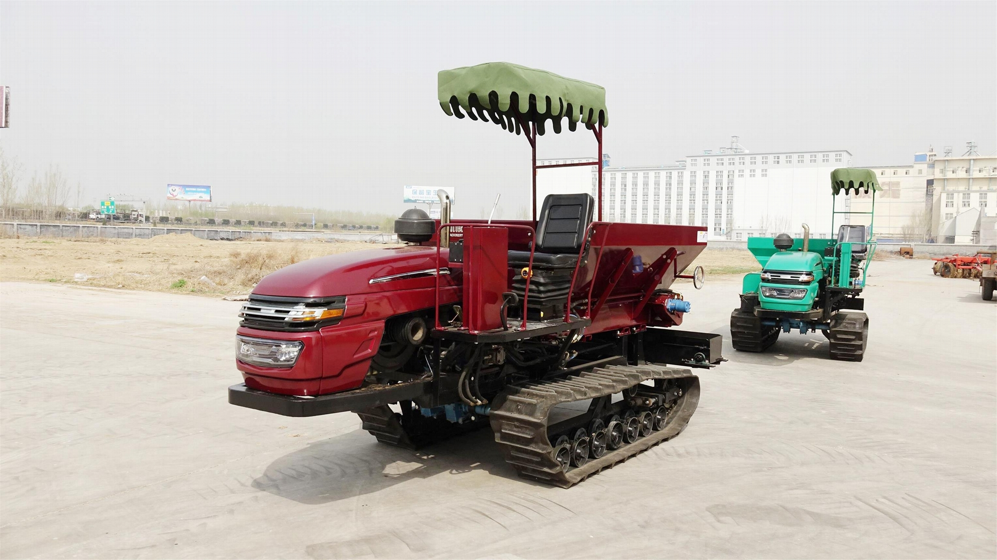 crawler type Muck spreader for spreading solid manure and fertilizer 9