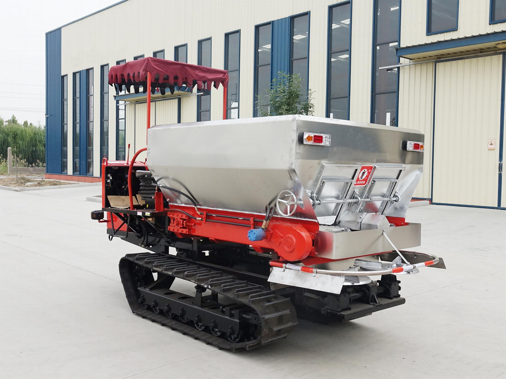 Dry Fertilizer Applicator with crawler type for paddy filed 7
