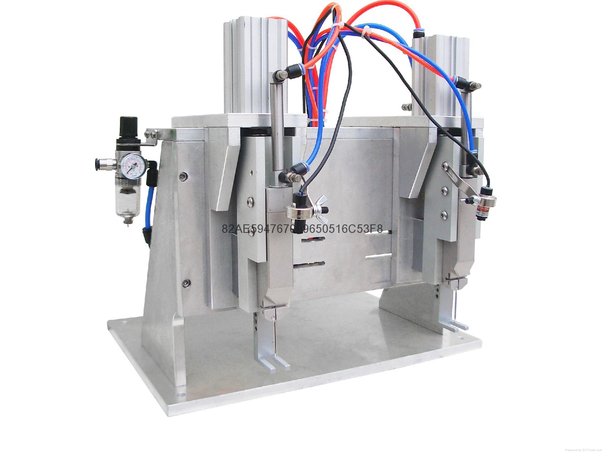 TM-300D 氣動雙機頭膠針機 2
