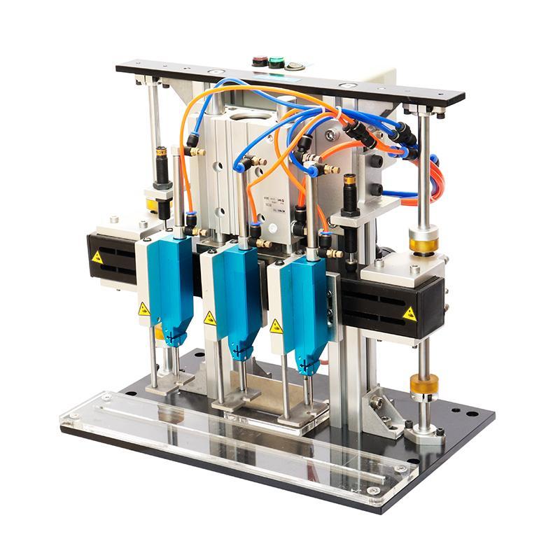 TM-300-3 氣電一體膠針機 1