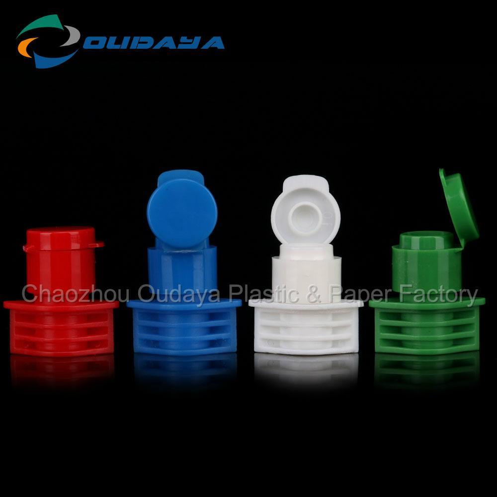 Flip Top Plastic Cap For Beverage Bottle 3