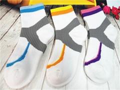 毛圈运动女袜中筒提花袜