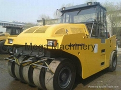 Hydraulic phenunatic tyre roller
