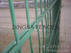 鼎萨双横丝护栏网