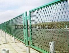 鼎萨钢板网护栏