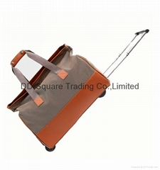 Duffle bag on wheels/ Travel luggage bags