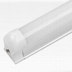供應LED1.2米日光燈管 T8 18W 工程品質