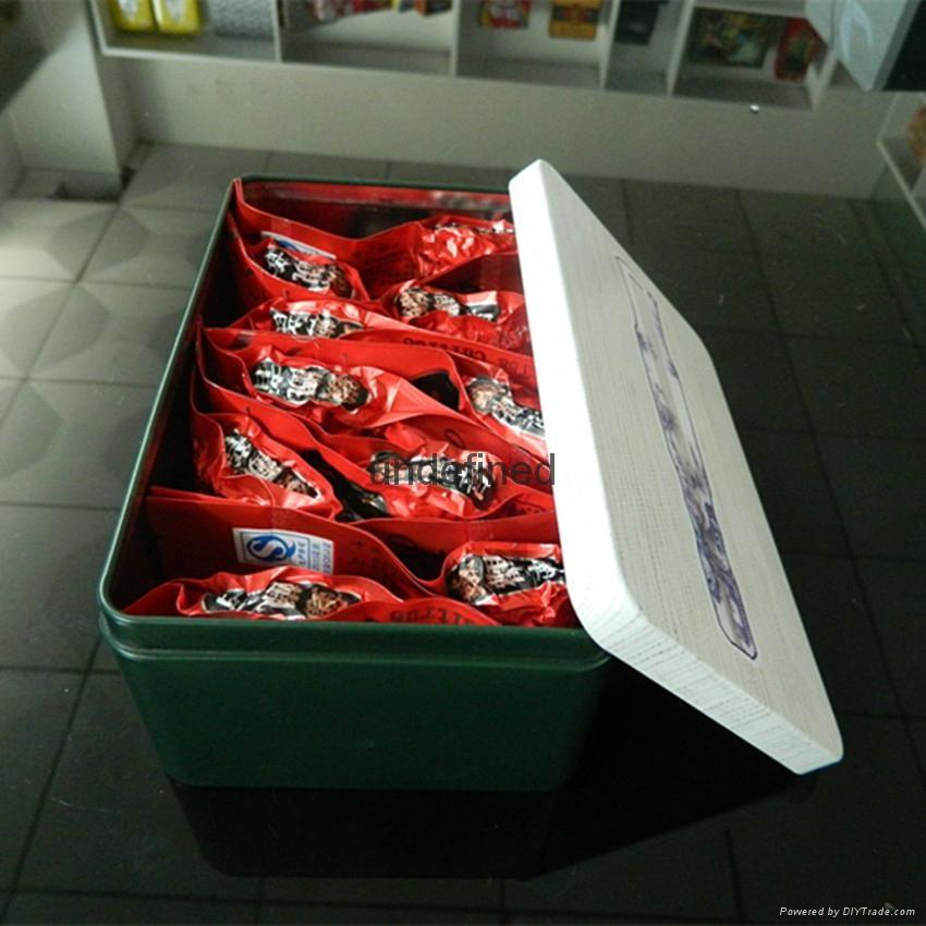 Sealed tea tins 4