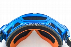 big size adult skiing goggles over glasses
