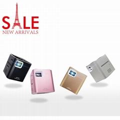 批發2017熱銷款微型投影儀內置聚合物電池高清播放