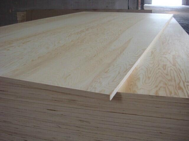 Supply 13mm 4X8 High-Quality Green Pine Wood Veneer Plywood (used as highchairs) 4