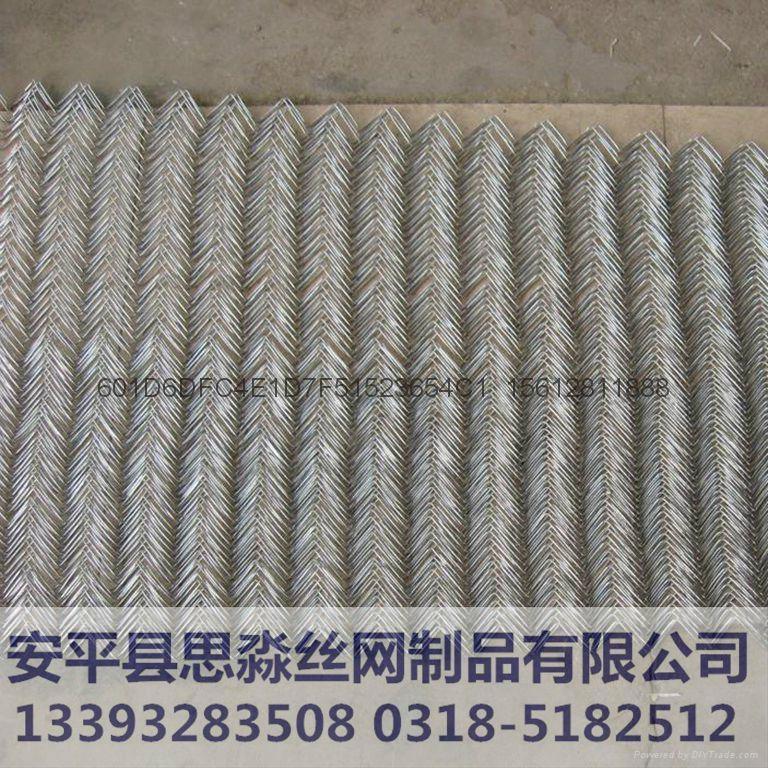 河北4.0mmPVC镀锌丝高防锈勾花网 3