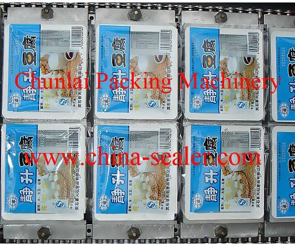 Tofu Tray Sealing Machine 2