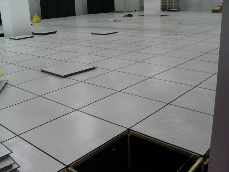 乌鲁木齐硫酸钙防静电地板厂家 2