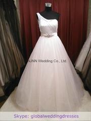 Ball-gown Ivory Fine-netting One-shoulder Floor-length Wedding Dress