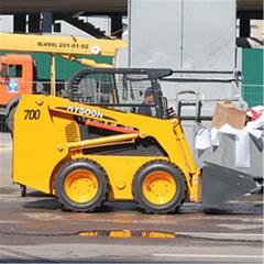 通用滑移装载机HY700