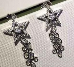 The pentagon stars stud earrings