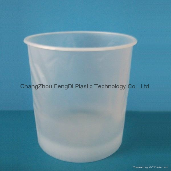 Plastic and steel pail liners 3