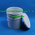 Plastic and steel pail liners 2