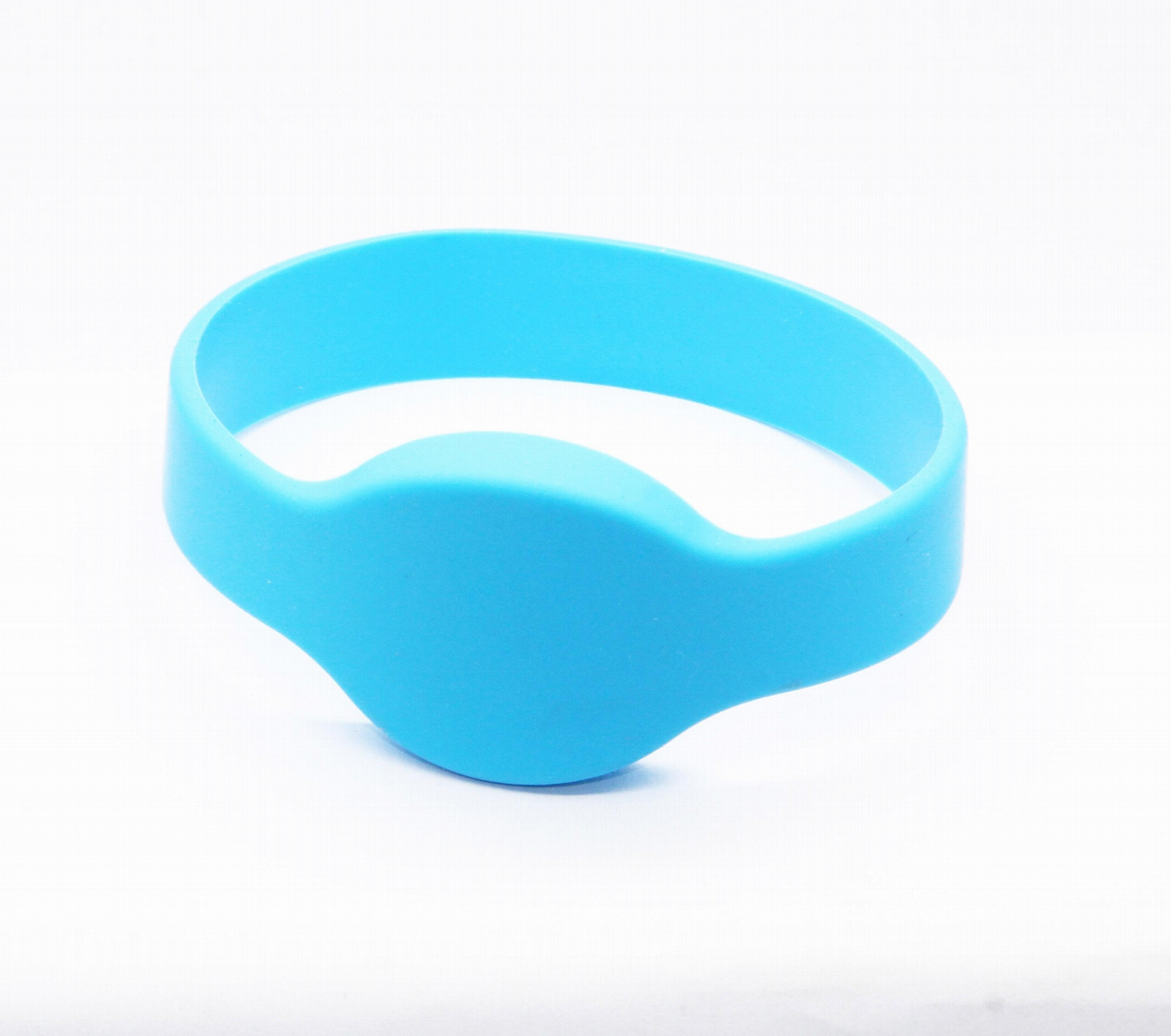 Waterproof 125KHZ RFID EM Silicon Wristbands For Access control  4
