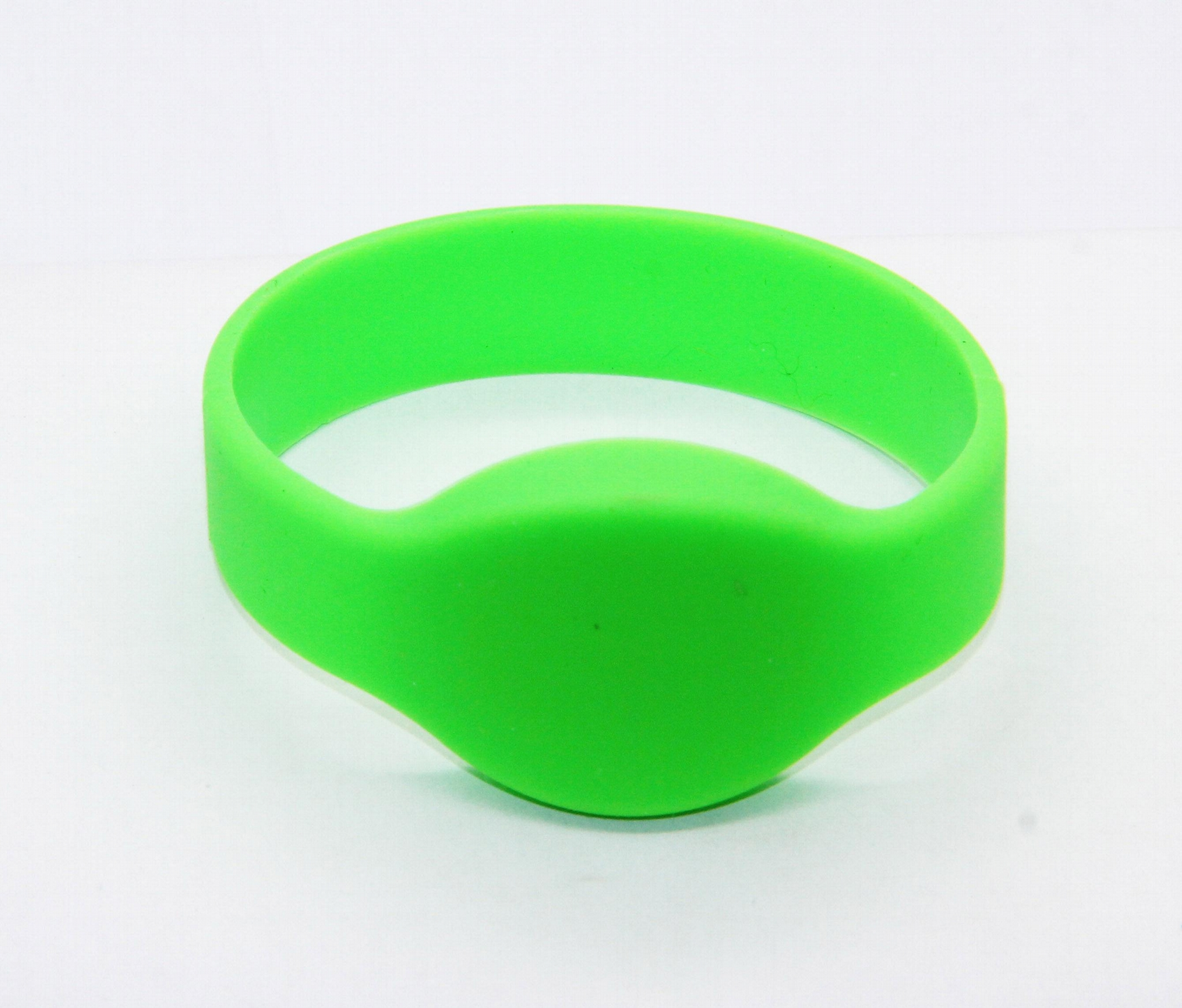 Waterproof 125KHZ RFID EM Silicon Wristbands For Access control  8